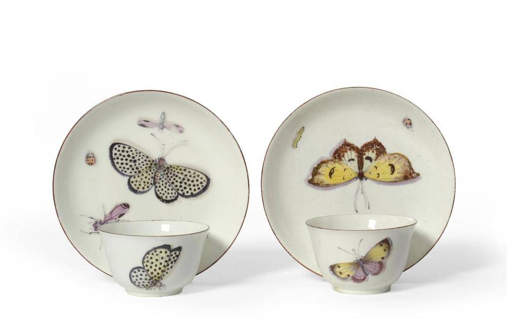 Lot 21 - A Pair of Chelsea Porcelain Tea Bowls and Saucers, en suite to the preceding lot