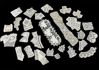 Lot 2034 - Assorted Lace and Crochet Items, comprising a...