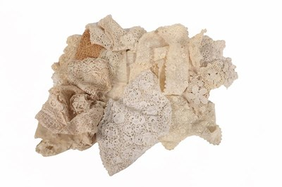 Lot 2038 - Assorted Late 19th/Early 20th Century Lace,...