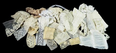 Lot 2044 - Assorted Late 19th/Early 20th Century Lace,...