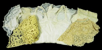 Lot 2046 - Assorted Mainly Early 20th Century Lace...