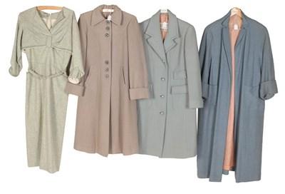 Lot 2084 - Circa 1940-50s Ladies' Wear comprising a green...