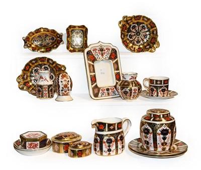 Lot 29 - A quantity of Royal Crown Derby Imari,...
