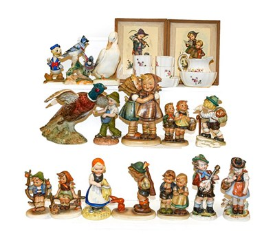 Lot 59 - Beswick and Hummel figures including 'Donald...