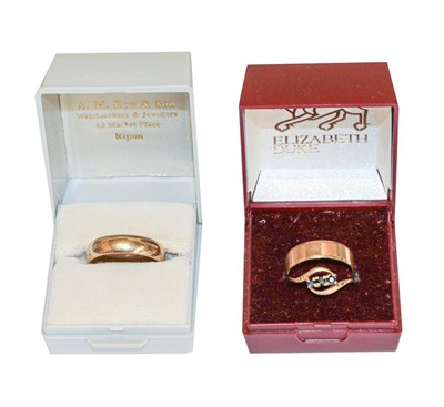 Lot 90 - Two 9 carat gold band rings, finger sizes Q...