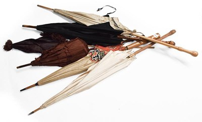 Lot 1012 - Five assorted Edwardian parasols with silk and...