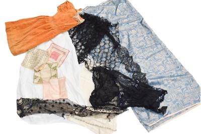 Lot 1022 - Assorted white cotton women's undergarments,...