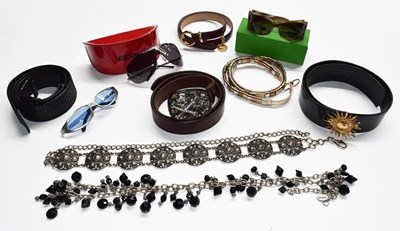 Lot 1002 - Assorted costume accessories including a...