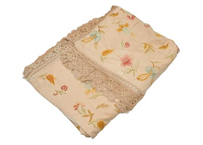 Lot 1029 - A large crewel work hanging/bedspread woven...