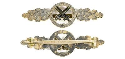 Lot 83 - A German Third Reich Luftwaffe Silver Class...