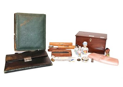 Lot 65 - Assorted collectables, including: Mauchline...