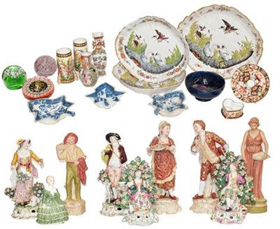 Lot 85 - Two trays of assorted ceramics and glass, to...