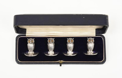 Lot 2082 - A Set of Four George V Silver Place-Card...