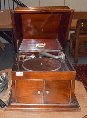Lot 1101 - A mahogany cased Regal table top gramophone,...