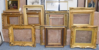 Lot 1068 - A group of gilt picture frames, various sizes