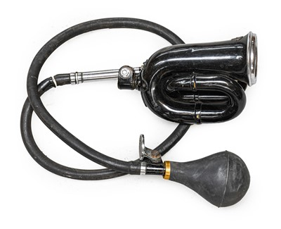 Lot 86 - An Early 20th Century Eversure Bulb Horn, of...