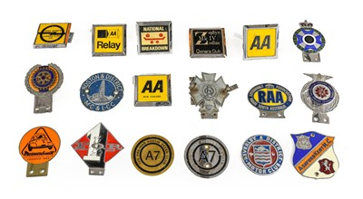 Lot 43 - Eighteen Assorted Chromed Metal and Plastic...