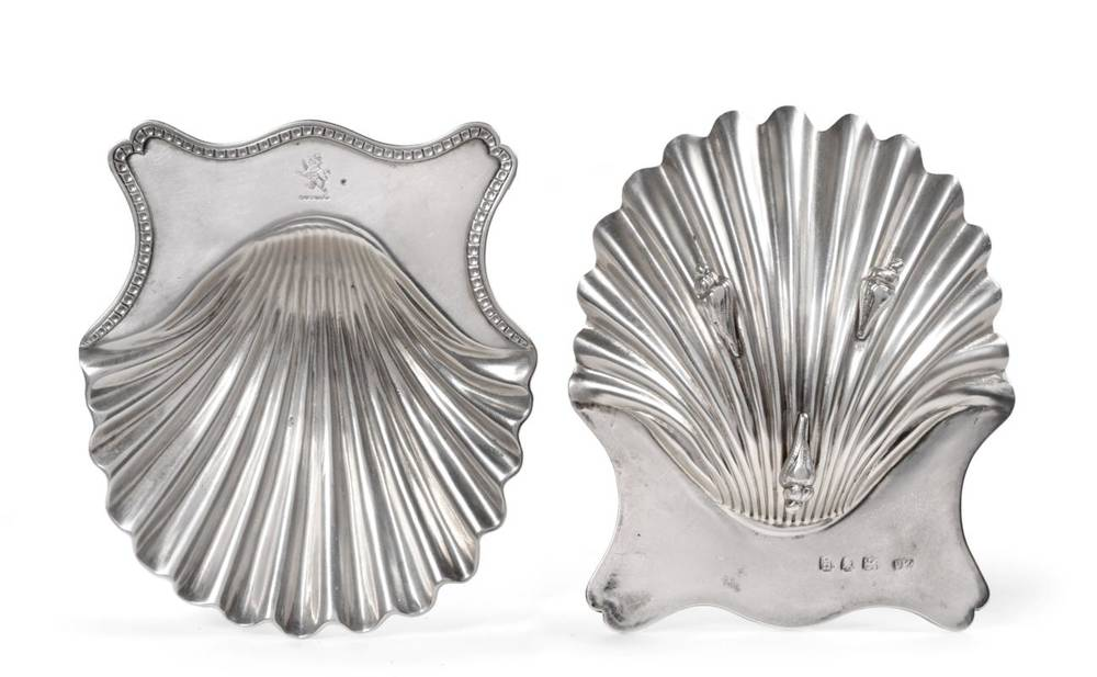 Lot 6 - ^ A Pair of George III Silver Butter Shells, Hester Bateman, London 1782, with incuse bead...