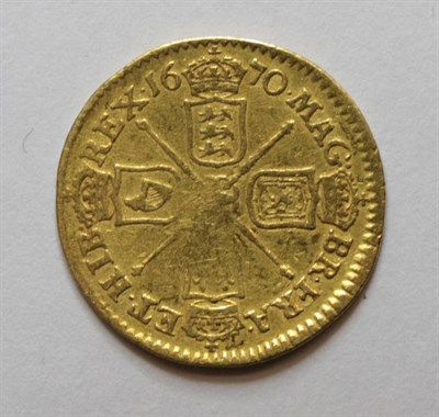 Lot 5 - Charles II (1660-1685), Half Guinea, 1670, first bust right, rev. crowned cruciform shields,...