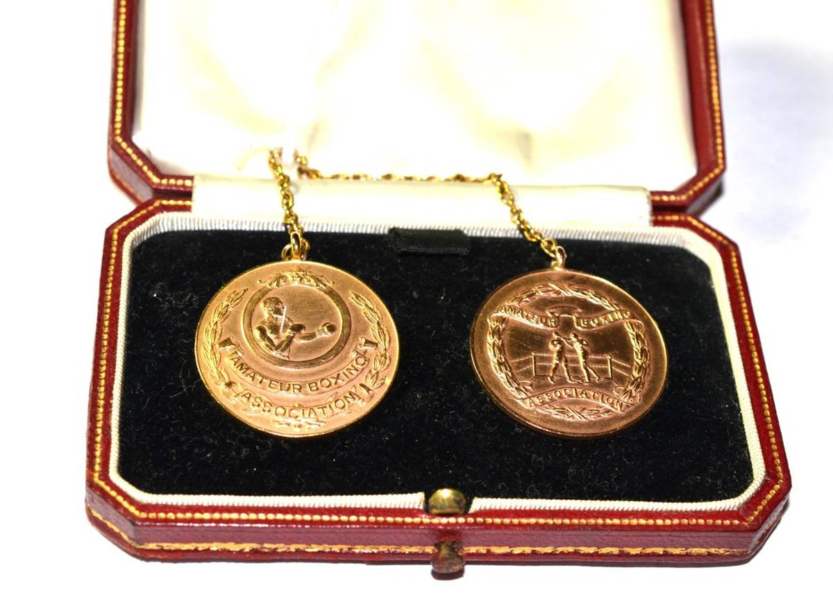 Lot 204 - A 9 carat gold double medallion brooch piece, in a fitted Cartier case