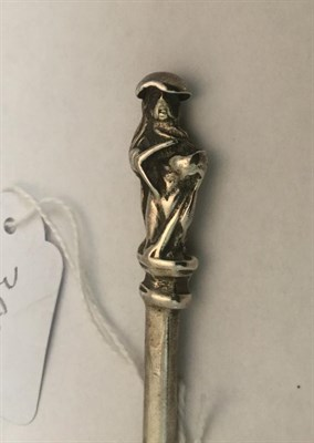 Lot 3000 - A James I Silver Apostle Spoon, by Richard Feake, London, 1617, the finial cast as St Thomas,...