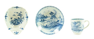 Lot 46 - A Worcester Porcelain Shell Pickle Dish, circa 1758, painted in underglaze blue with the Two...