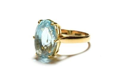 Lot 46 - A blue topaz ring, stamped '9K', finger size Q