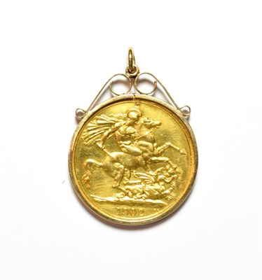 Lot 67 - A two pound coin, dated 1902, loose mounted as a pendant