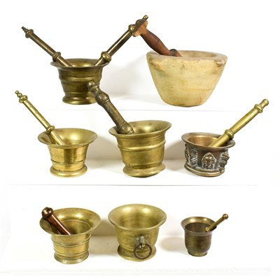 Lot 63 - ~ A collection of mainly bronze mortar and pestles including antique examples (1 tray)