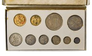 Lot 4088 - George V, 1911 Coronation 10-Coin Proof Set consisting of: sovereign, half-sovereign,...
