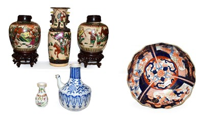 Lot 18 - A Japanese Meiji period Imari bowl and other Chinese ceramics, to include a pair of poychrome...