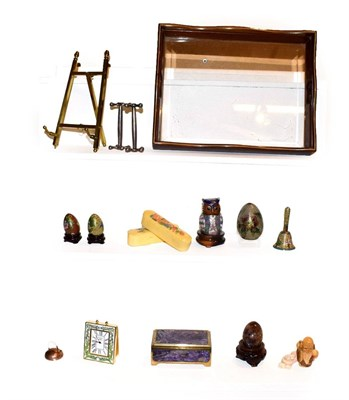 Lot 34 - A tray of assorted items to include blue John egg on stand, gilt metal easel, Russian charoite...