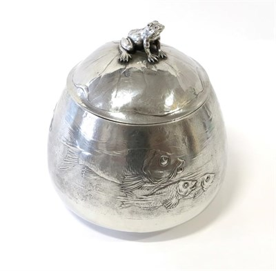 Lot 2074 - A Jugendstil Kayserzinn Pewter Tureen and Cover, the base cast with a school of fish, the cover...