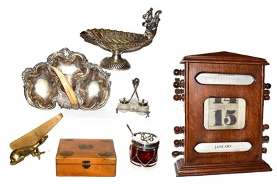 Lot 15 - A tray of assorted items including an oak cased perpetual calendar, Mauchline ware box and...