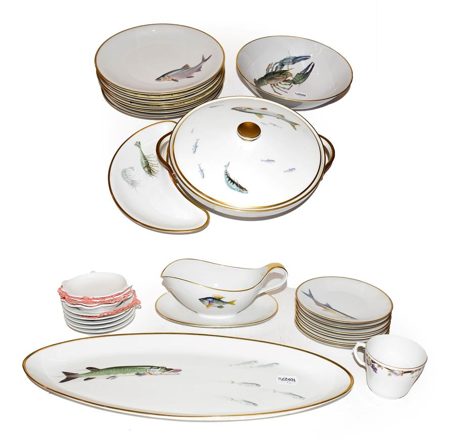 Lot 46 - A Heinrich & Co Bavarian porcelain fish service, etc (two trays)