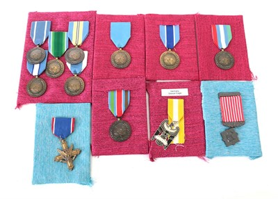 Lot 16 - A US Distinguished Service Cross, un-numbered, with ribbon; Thailand - a Freemen Safeguarding...