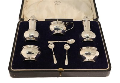 Lot 10 - A Cased George V Silver Condiment-Set, by Ernest Druiff and Co., Birmingham, 1924, Retailed by...