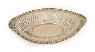 Lot 29 - An Edward VII Silver Dish, by Thomas Arthur Reid, Francis James Langford and Christian Leopold Reid