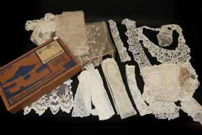 Lot 2023 - Assorted Early 20th Century Lace, comprising pair of cuffs, white flounce appliqued with floral...