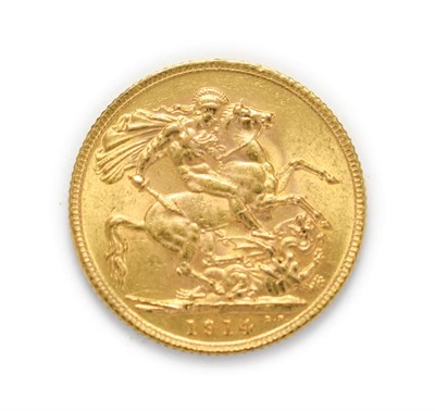Lot 4050 - George V (1910 - 1936), 1914 Sovereign. Obv: Bare head of George V left, B.M. below truncation...