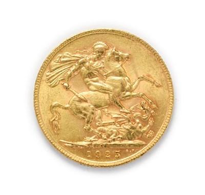 Lot 4051 - George V (1910 - 1936), 1925 South Africa Mint Sovereign. Obv: Bare head of George V left, B.M....