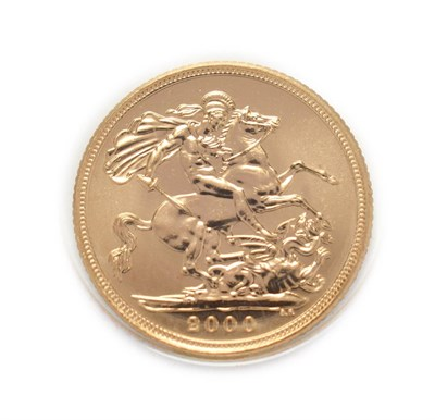 Lot 4062 - Elizabeth II (1952 -), 2000 Brilliant Uncirculated Sovereign. Obv: Fourth, crowned portrait of...
