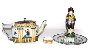 Lot 2 - A Hawley pearlware teapot, moulded with chinoiserie figures and decorated in Pratt colours,...
