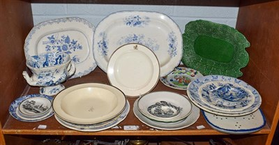 Lot 9 - A quantity of mainly Brameld pottery including Twisted Tree, Castle of Rochford and Rose jar...