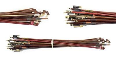 Lot 3001 - Bundle Of Bows