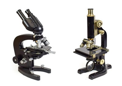 Lot 3082 - Hearson (London) Microscope no.526, with fine/course focussing, three lens turret, adjustable...