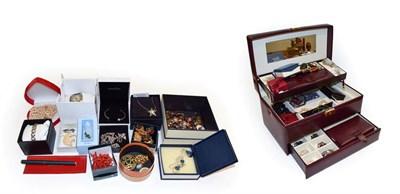 Lot 65A - A pair of 9 carat gold cufflinks, a pair of Charles Horner cufflinks, a gilt metal seal and a...