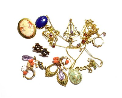 Lot 72 - A collection of jewellery including a lapis lazuli pendant on chain, a jade type pendant on...