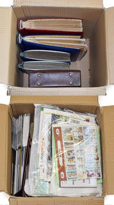 Lot 2013 - Worldwide Accumulation in two boxes incl. various modern topical miniature sheets, Austria...