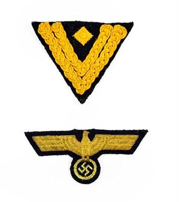 Lot 95 - A German Third Reich Kriegsmarine Officer's Breast Eagle, embroidered in gilt bullion thread on...